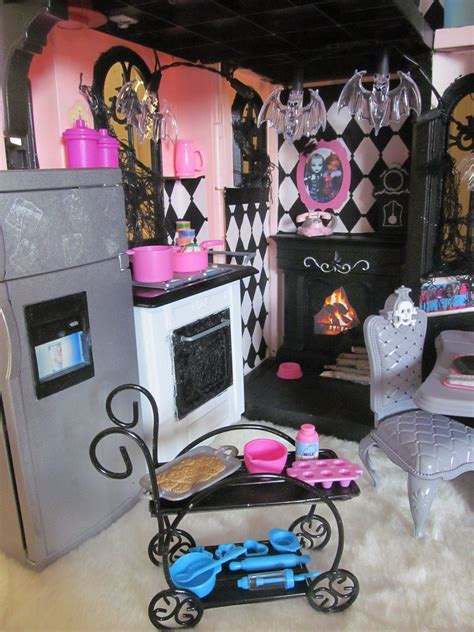 Diy-Monster-High-Doll-House-Furniture