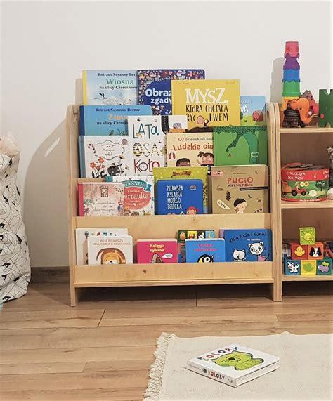 Diy-Montessori-Bookshelf