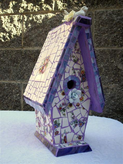 Diy-Mosaic-Birdhouse