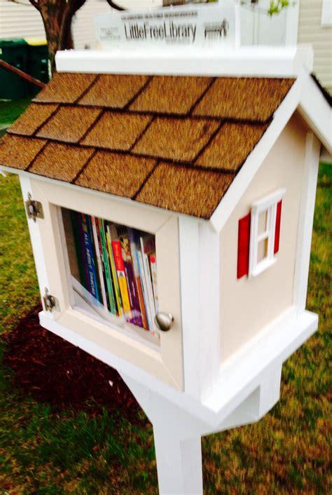 Diy-Neighborhood-Book-Exchange-Box
