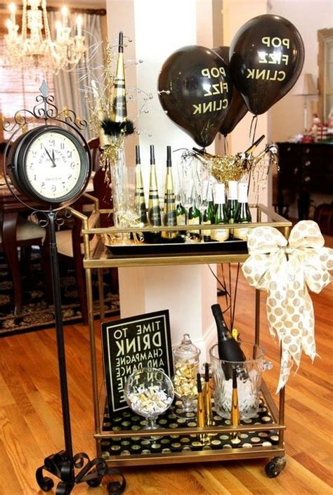 Diy-New-Years-Eve-Table-Decorations