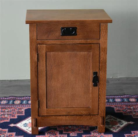 Diy-Night-Table-With-Drawer-And-Door