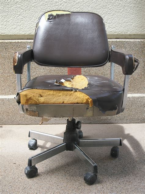 Diy-Office-Chair-Reupholstery