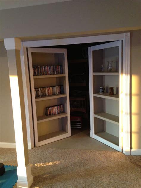 Diy-Old-Door-Bookshelf