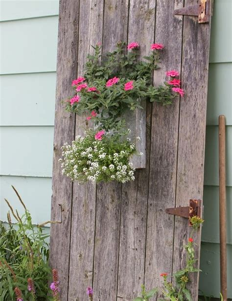 Diy-Old-Door-Planter