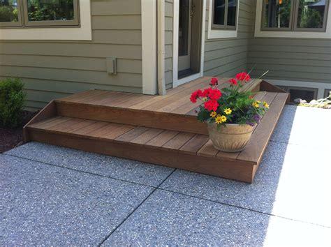 Diy-One-Wood-Step-In-Lawn