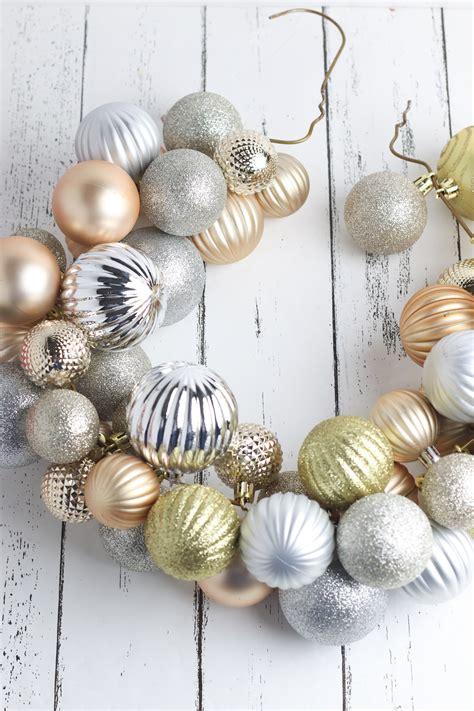 Diy-Ornament-Wreath-Wire-Hanger