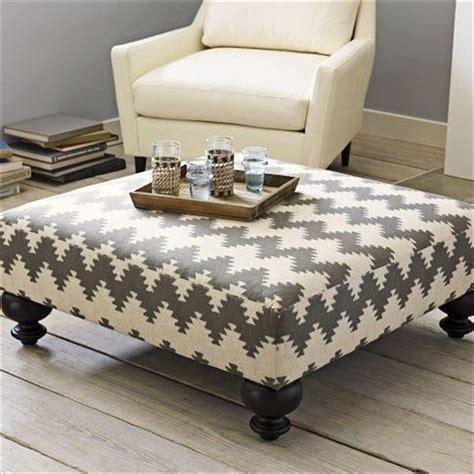 Diy-Ottoman-Coffee-Table-Pallet