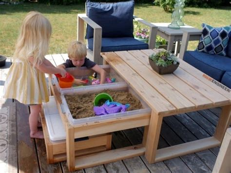 Diy-Outdoor-Activity-Table