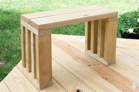 Diy-Outdoor-Bench-Seat-Plans