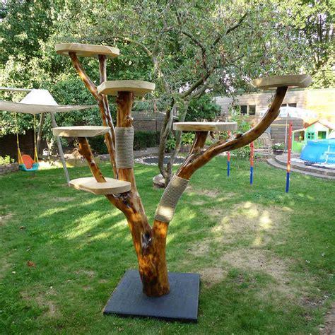 Diy-Outdoor-Cat-Tree