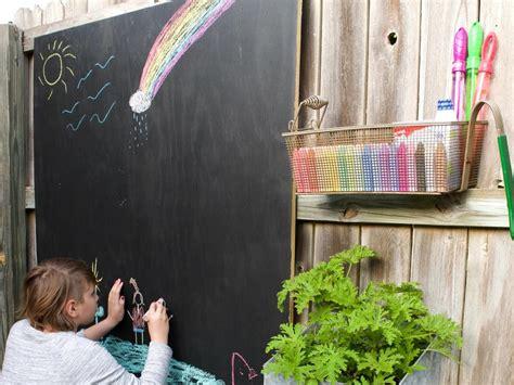 Diy-Outdoor-Chalkboard-Paint