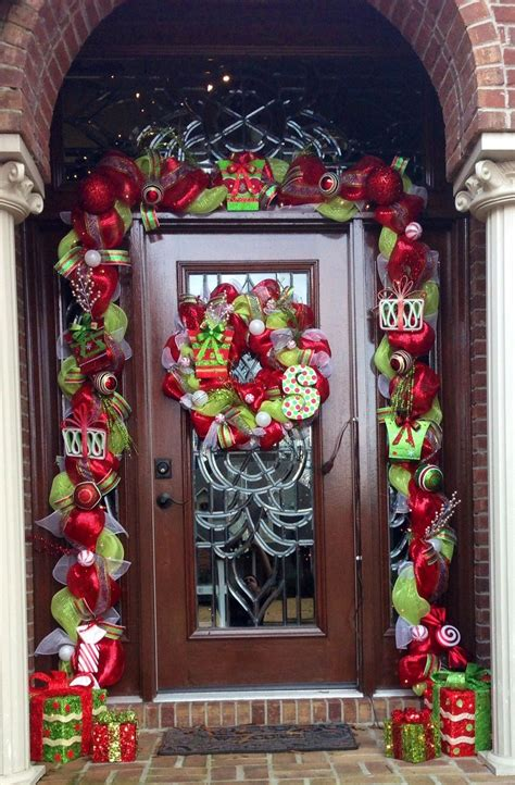 Diy-Outdoor-Christmas-Lights-On-Front-Door-And-Around-Porch