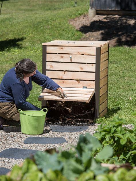 Diy-Outdoor-Compost-Bin-From-Lumber