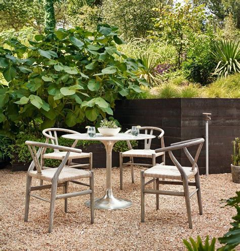 Diy-Outdoor-Furniture-For-Small-Spaces