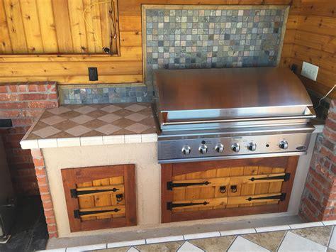 Diy-Outdoor-Kitchen-Cabinet-Doors