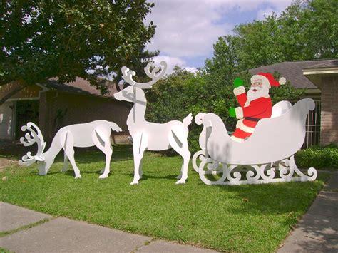 Diy-Outdoor-Wooden-Santa-Sleigh-And-Reindeer