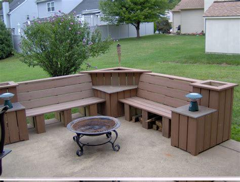 Diy-Outside-Corner-Bench
