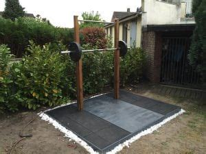 Diy-Outside-Weight-Lifting-Platform-And-Rack