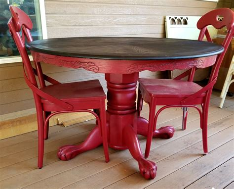 Diy-Painted-Round-Dining-Table