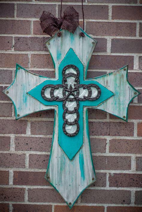 Diy-Painted-Wooden-Crosses