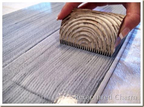 Diy-Painting-A-Fake-Wood-Grain-Using-A-Metal-Comb