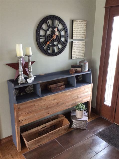 Diy-Painting-Old-Bookcase-Headboard