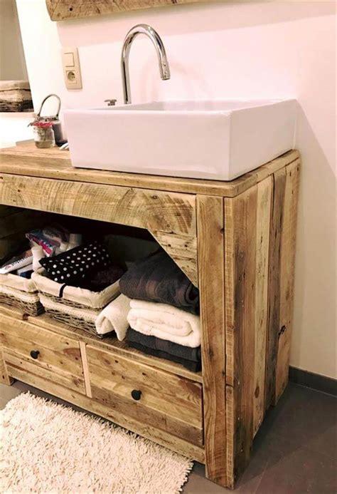 Diy-Pallet-Bathroom-Vanity