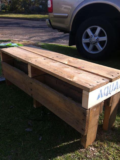 Diy-Pallet-Bench-Seat