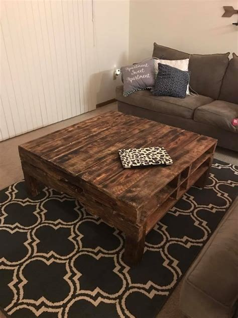 Diy-Pallet-End-Table-Instructions