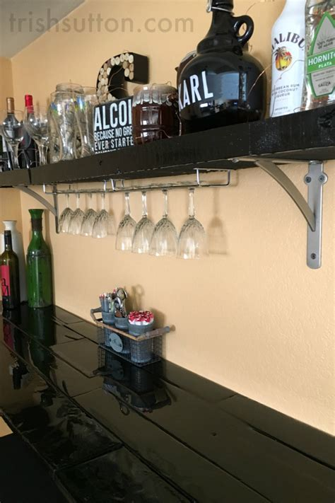 Diy-Pallet-Floating-Shelves-Instructions