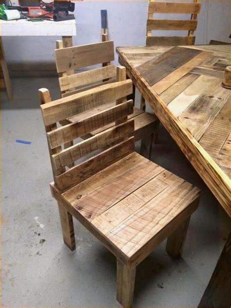 Diy-Pallet-Kitchen-Table-Tutorial