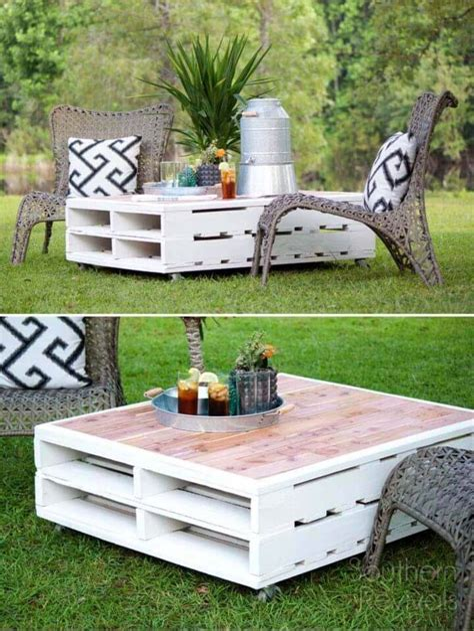 Diy-Pallet-Outdoor-Table