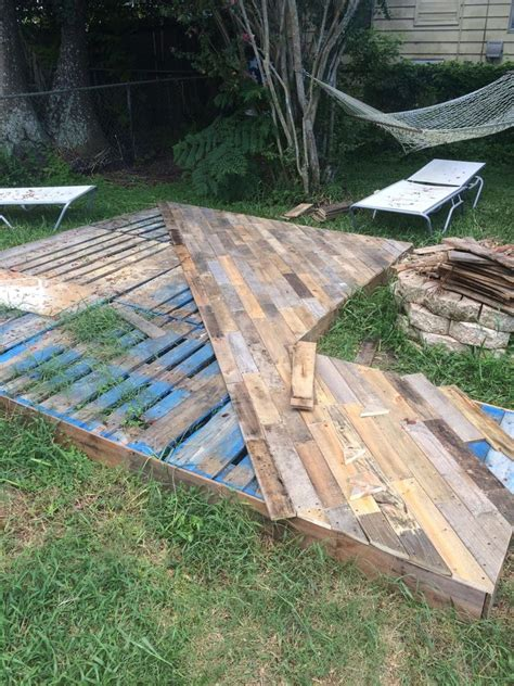 Diy-Pallet-Patio-Pinterest