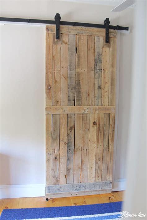 Diy-Pallet-Shelf-With-Barn-Doors