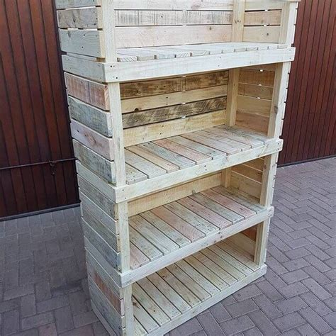 Diy-Pallet-Storage-Shelves