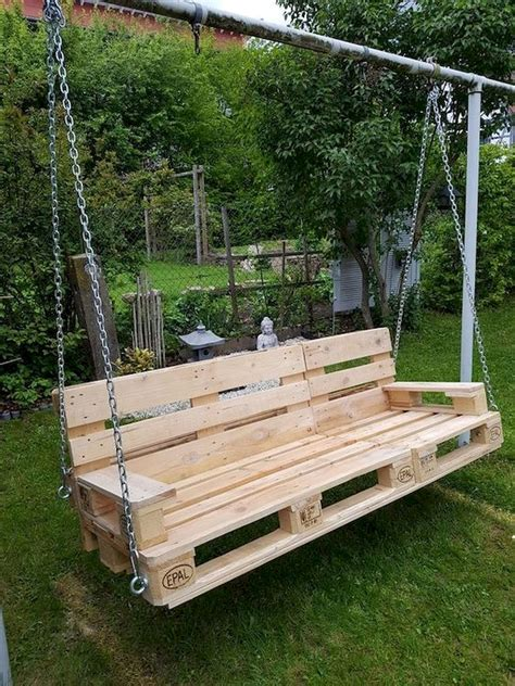 Diy-Pallet-Swing-Chair