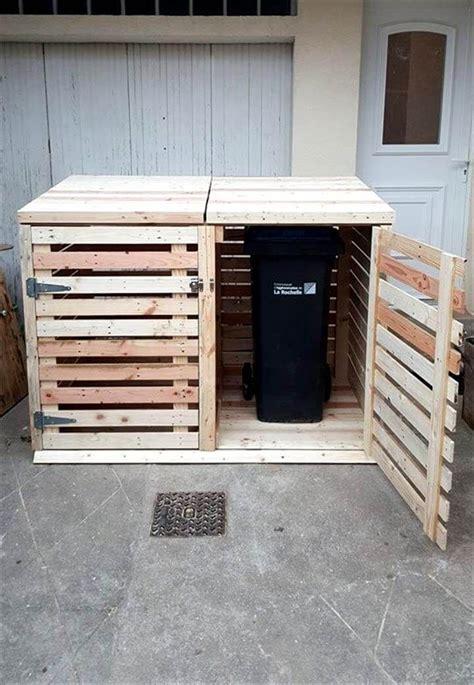 Diy-Pallet-Trash-Cabinet