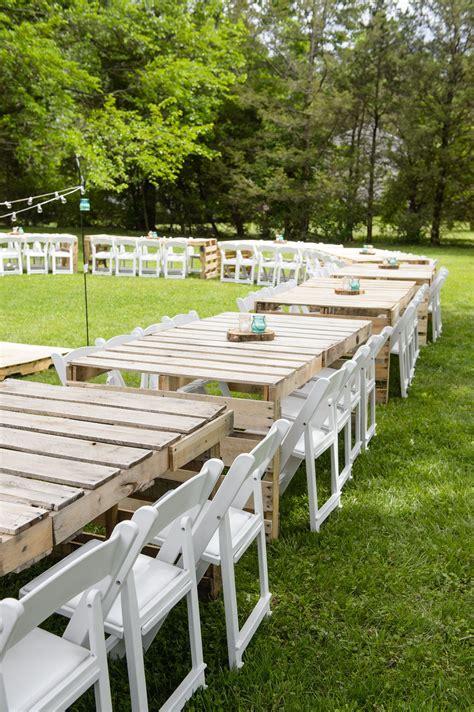 Diy-Pallet-Wedding-Table