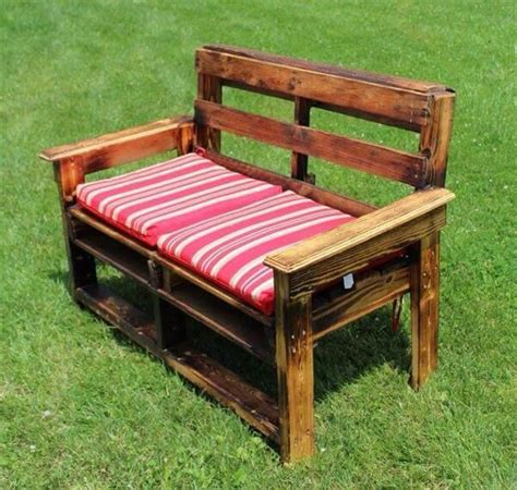 Diy-Patio-Bench-From-Pallets