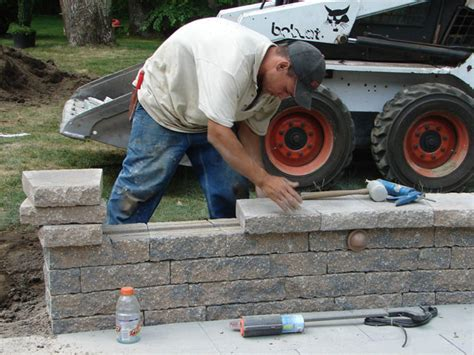 Diy-Patio-Sitting-Wall