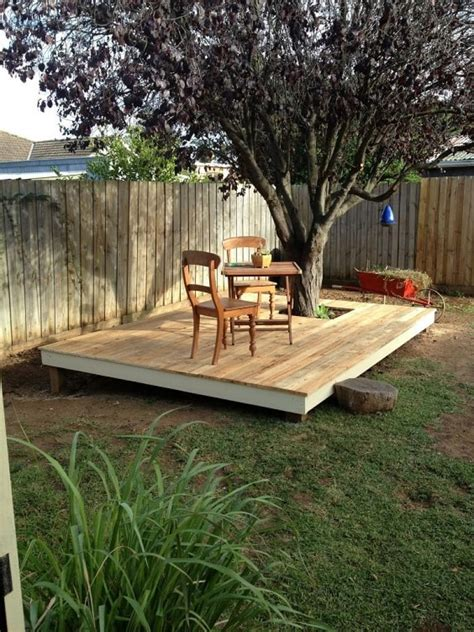 Diy-Patio-With-Pallets