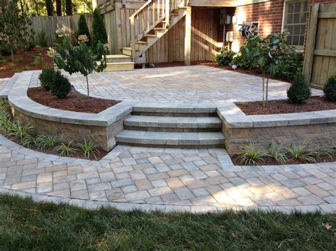 Diy-Paver-Patio-With-Retaining-Wall