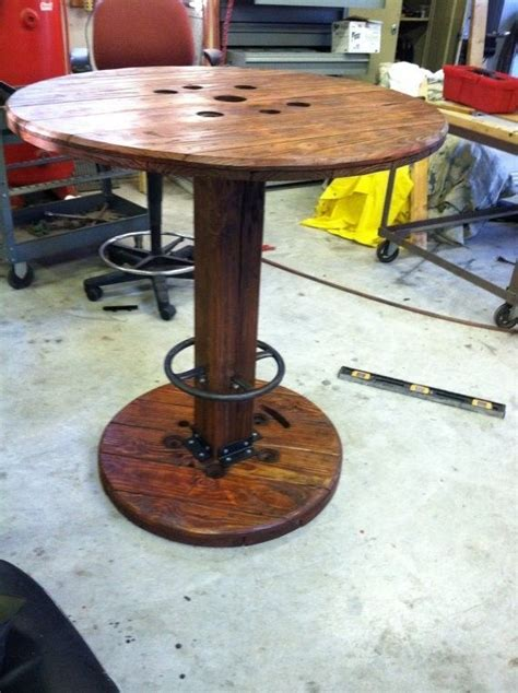 Diy-Pedestal-Pub-Table