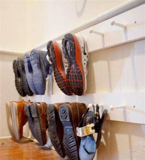Diy-Peg-Shoe-Rack