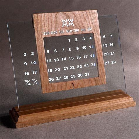 Diy-Perpetual-Desk-Calendar