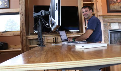 Diy-Pete-Computer-Desk