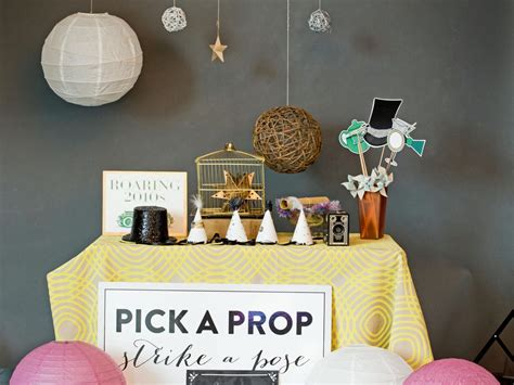 Diy-Photo-Booth-Table