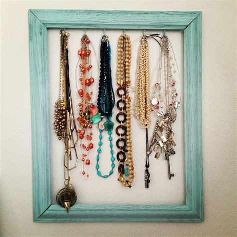 Diy-Picture-Frame-Necklace-Holder