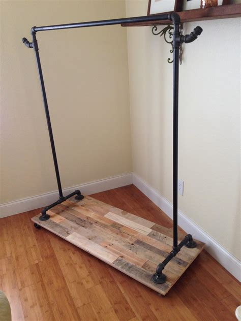 Diy-Pipe-Clothing-Rack-With-Wheels